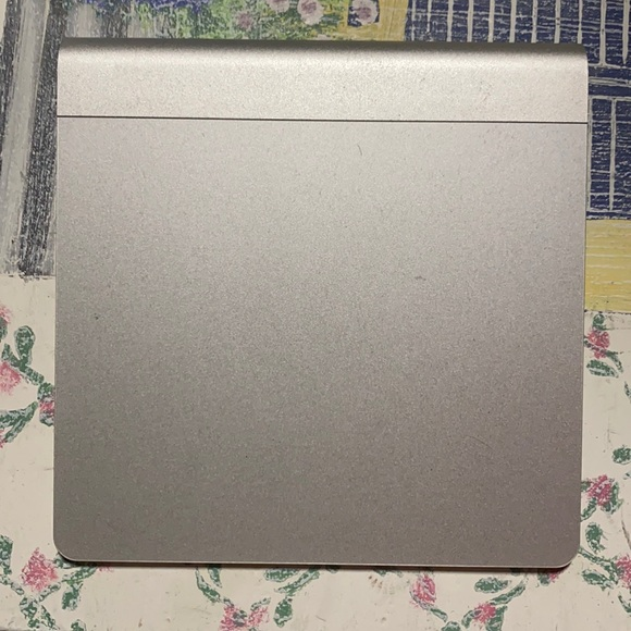 Apple track pad preowned perfect condition